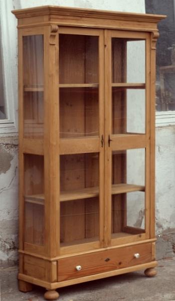 Alter antiker vitrinenschrank vitrine bauernvitrine for Alte vitrinenschra nke