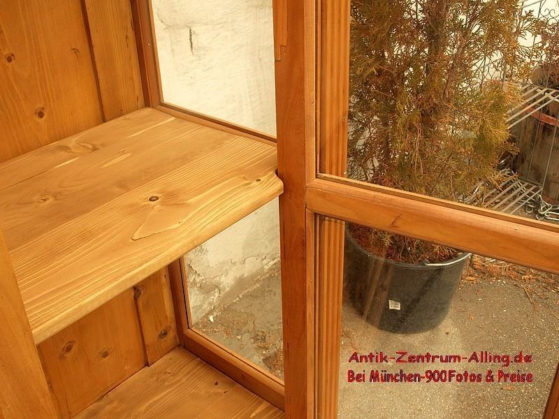 Alte antike vitrine vitrinenschrank massivholz kirsche for Alte vitrinenschra nke