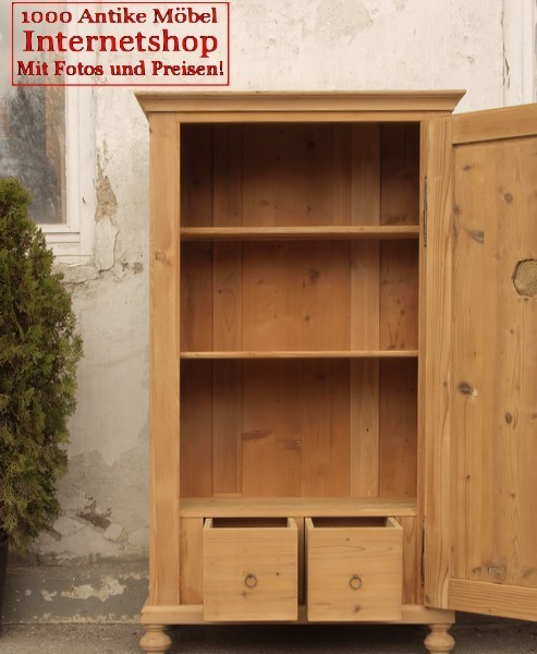 kleiner alter antiker w scheschrank schrank fichtenholzm bel alte antike bauernm bel. Black Bedroom Furniture Sets. Home Design Ideas