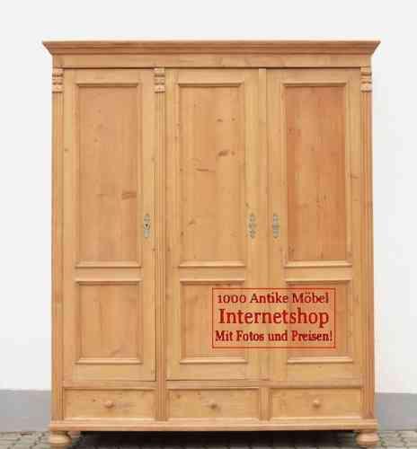 grosser alter antiker kleiderschrank bauernschrank dreit rer weichholzm bel kiefer alte antike. Black Bedroom Furniture Sets. Home Design Ideas