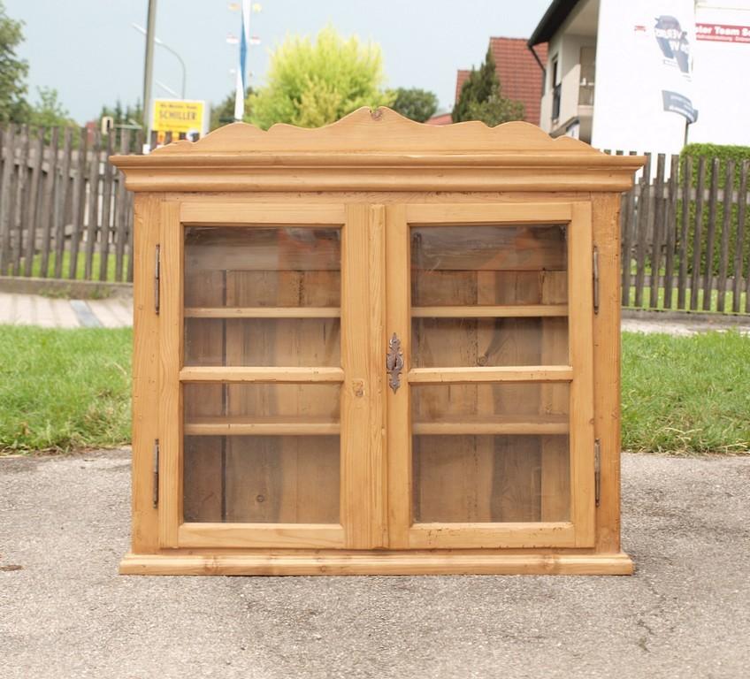 alte antike restaurierte wandvitrine h ngevitrine fichtenholz alte antike bauernm bel. Black Bedroom Furniture Sets. Home Design Ideas