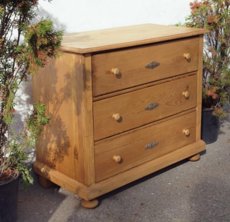 alte antike kommode restauriert 3 schublagen massivholz alte antike bauernm bel internetverkauf. Black Bedroom Furniture Sets. Home Design Ideas