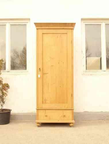 alte antike bauernschr nke kleiderschr nke. Black Bedroom Furniture Sets. Home Design Ideas