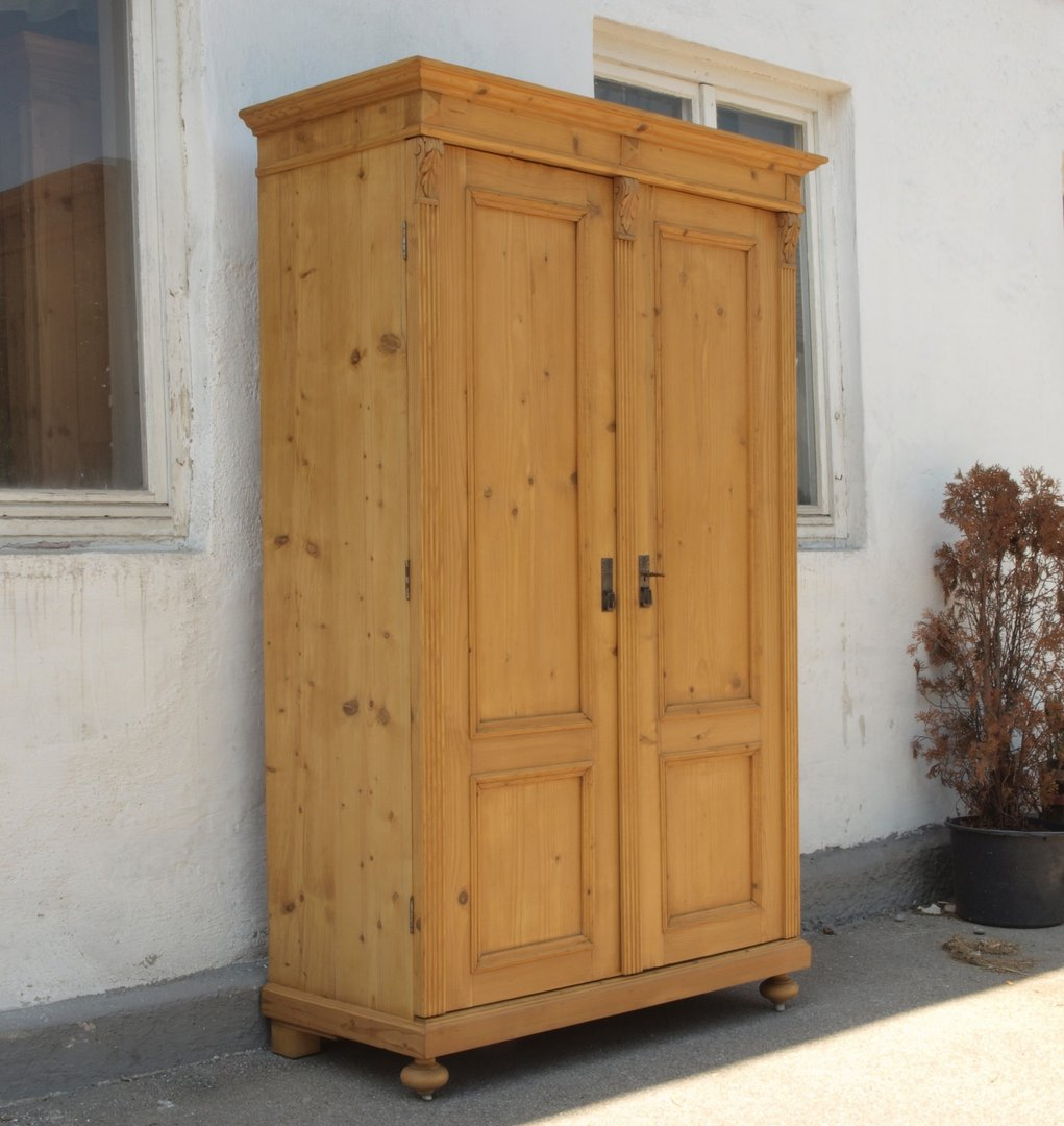 alter antiker restaurierter 2 t riger kleiderschrank massiv fichte um 1870 alte antike. Black Bedroom Furniture Sets. Home Design Ideas