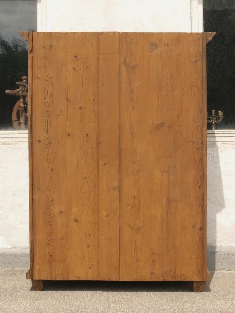 alter antiker zweit riger zerlegbarer kleiderschrank w scheschrank aus massivholz eiche alte. Black Bedroom Furniture Sets. Home Design Ideas