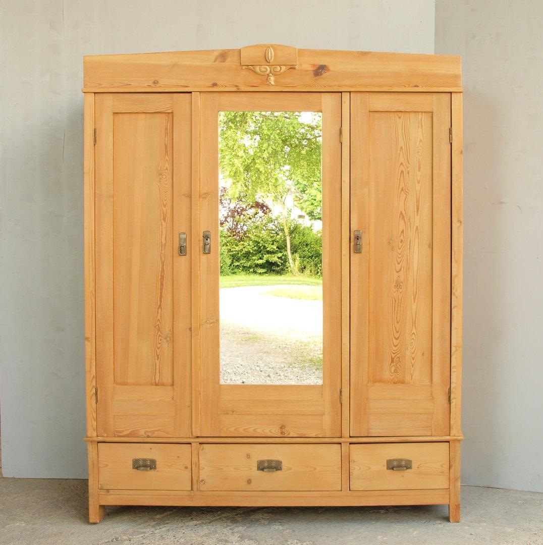 alter antiker 3 t riger jugendstil kleiderschrank gro e auswahl. Black Bedroom Furniture Sets. Home Design Ideas