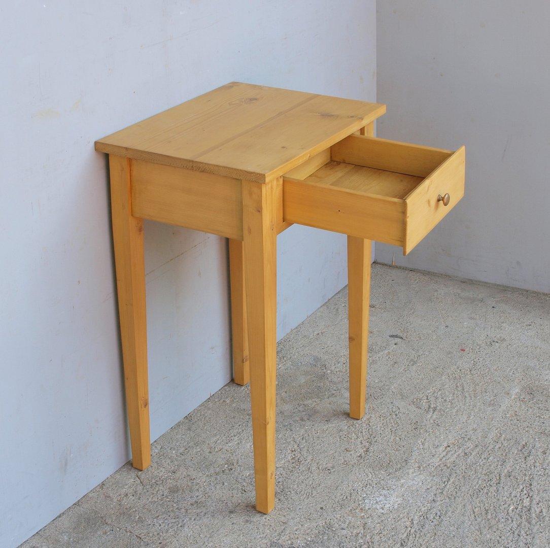 Kleiner Tisch mit Schublade Fichte Bauernmöbel und antike